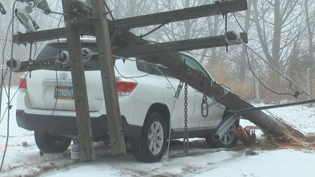 Driver Crashes into Pole, Cuts off Power to 1,700