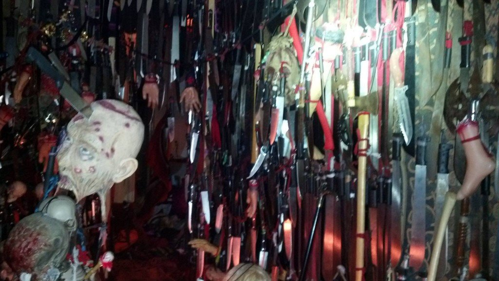 Police: Florida woman with 3,714 knives, swords and hatchets arrested