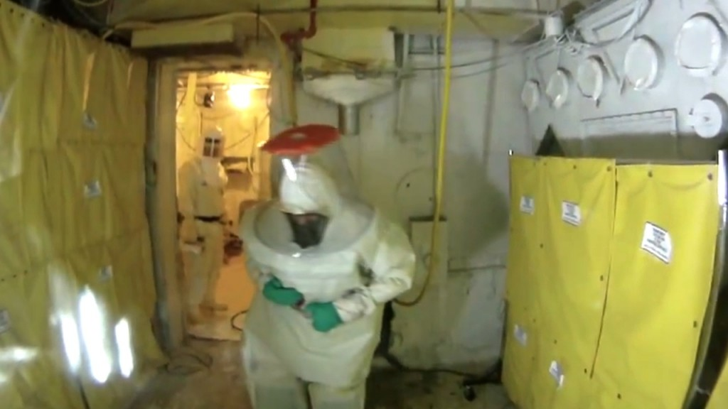 Hanford workers demolish famous nuclear accident site