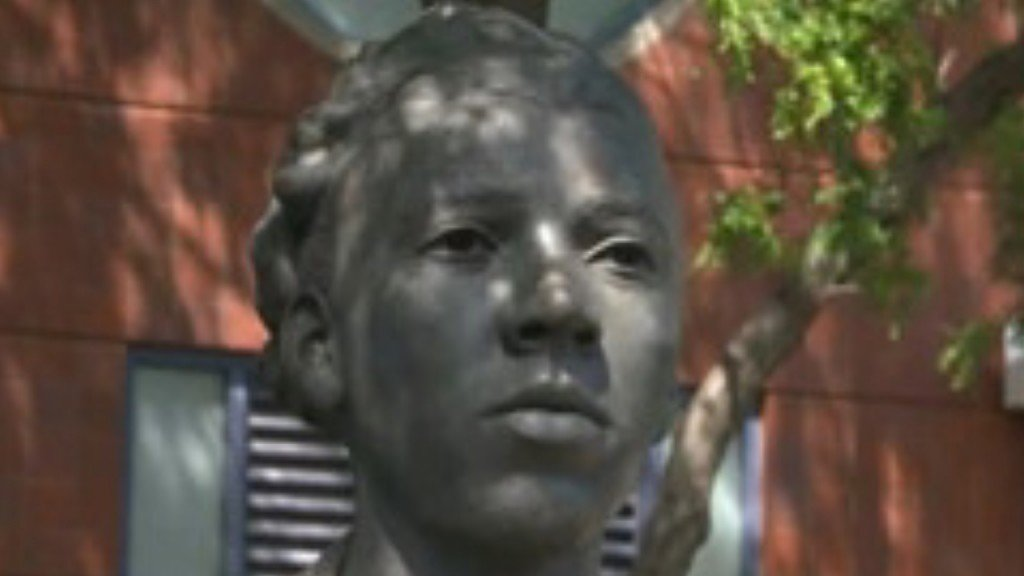 Althea Gibson honored with statue at US Open