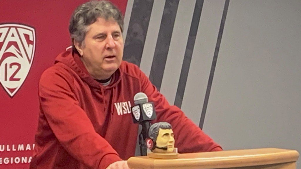 WSU fans can get Coach Leach bobbleheads during senior night