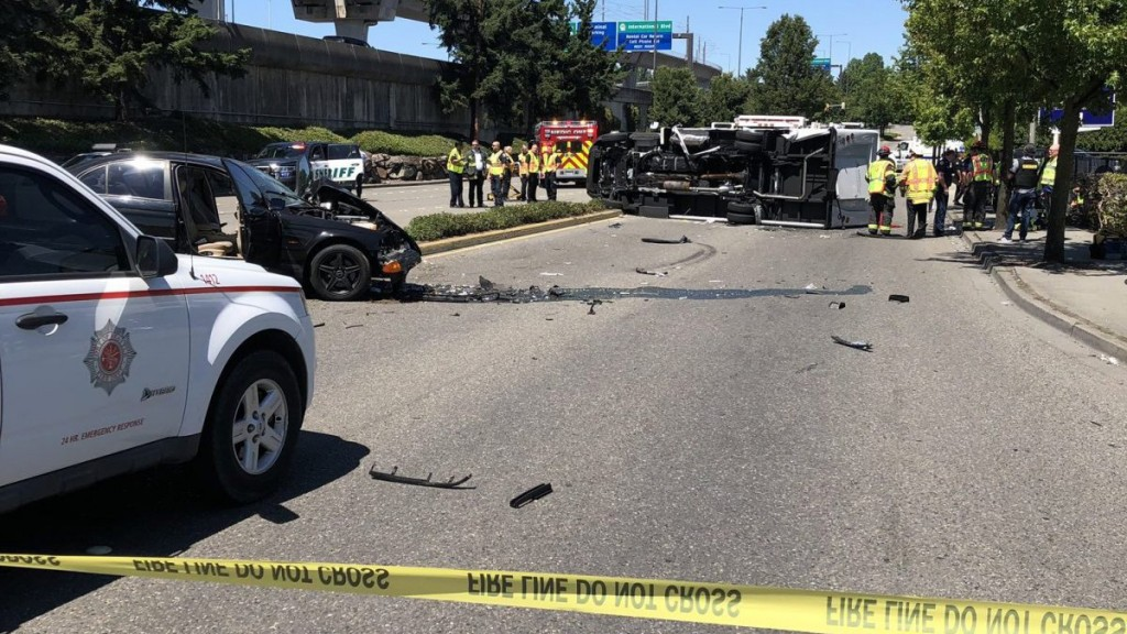 1 dead, 6 injured in shuttle-bus crash near Sea-Tac airport