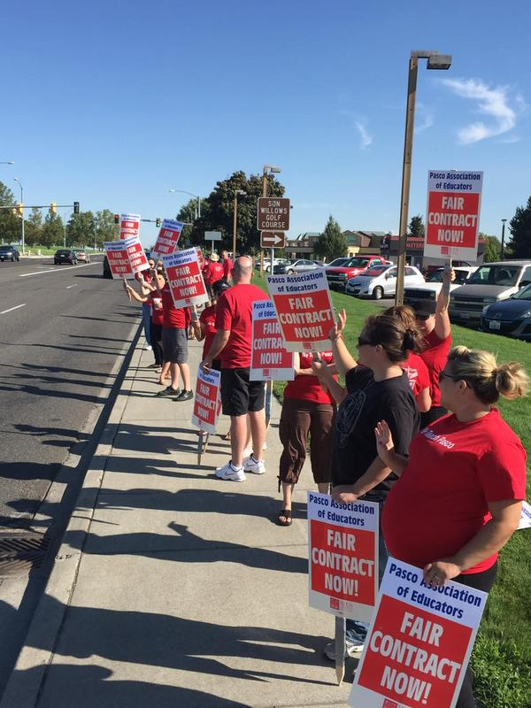 Pasco teachers and school district continue to disagree on a contract
