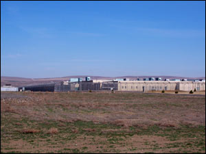 Two Rivers Correctional Institution in Umatilla