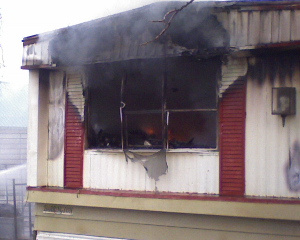 Mobile Home Fire This Morning in Burbank