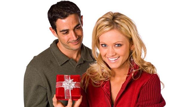 Worst Valentine's gifts you can buy for her
