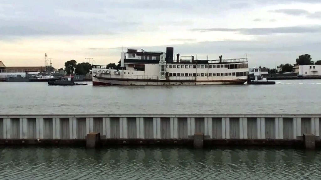 California city demolishes WWII vessel