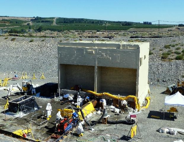 1,153-ton Waste Vault Removed from Hanford's 300 Area