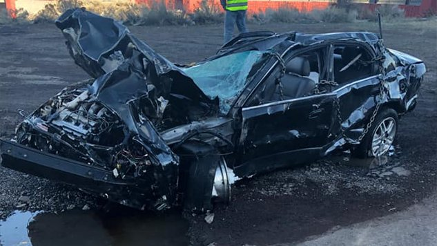 Teen intentionally drives off cliff in Oregon and survives
