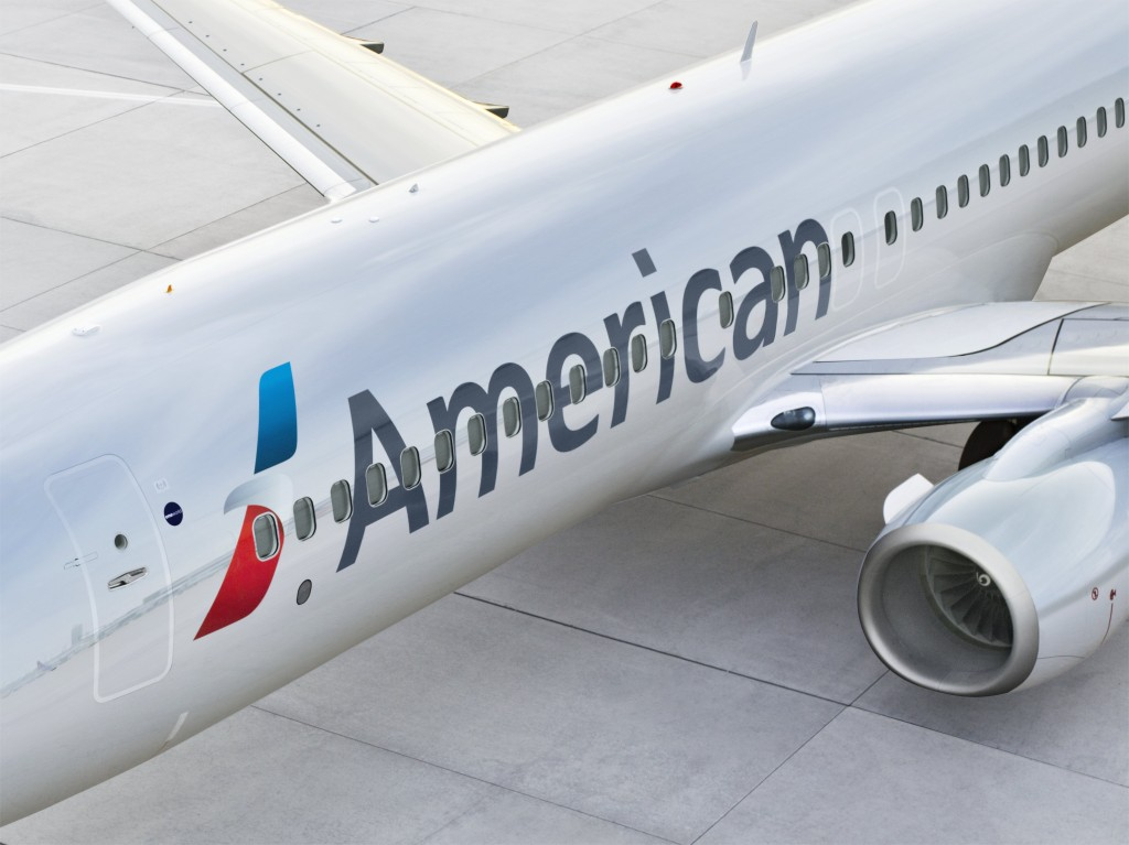 Pilot dies during American Airlines flight