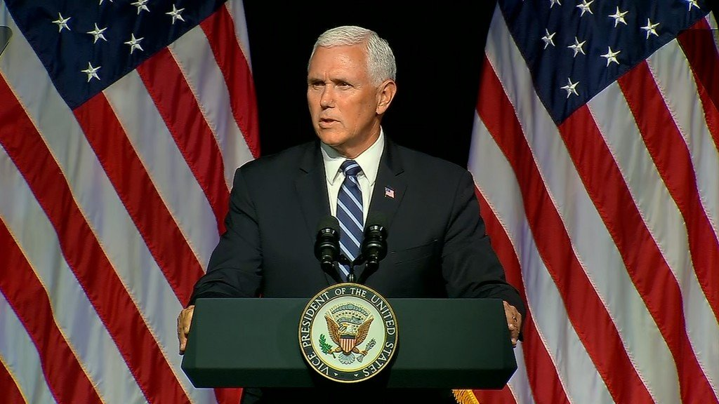 Pence delivers commencement address
