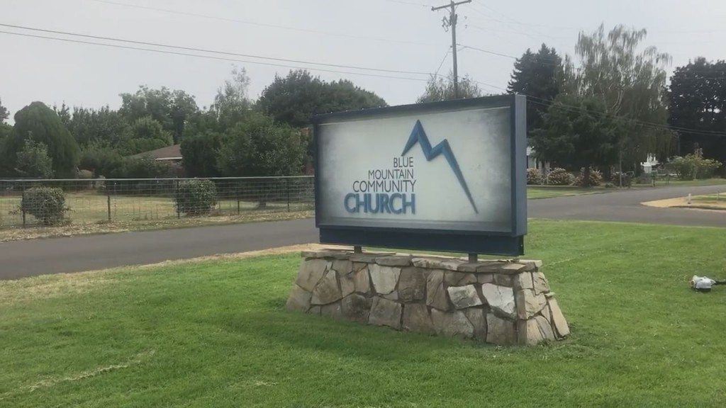 blue mountain community church sign