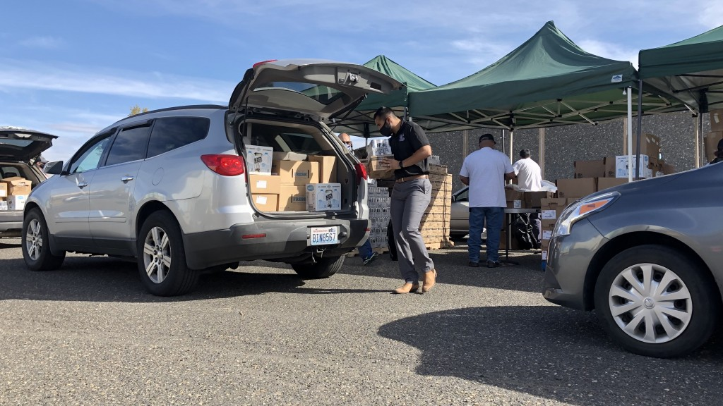Second Harvest Mobile Market in Pasco