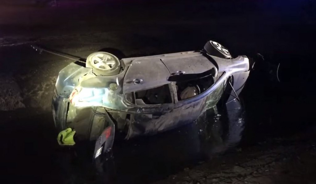 Kennewick driver crashes in ditch