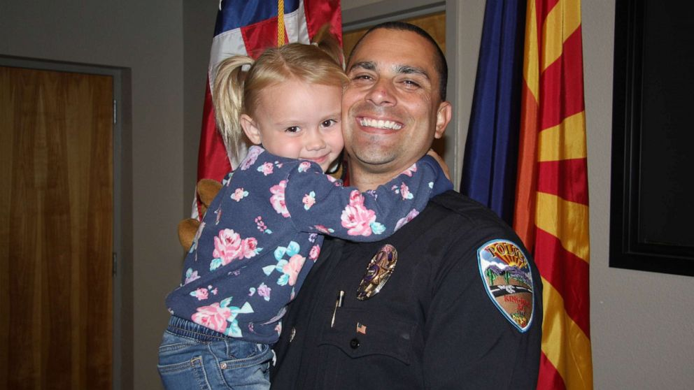Police Officer Adopts Girl Met Duty Ht Main Np 201202 1606931566419 Hpmain 16x9 992