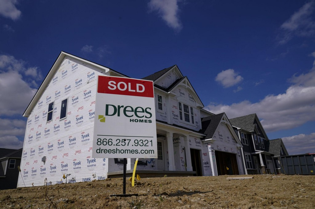 Mortgage Rates Dip For First Time Since January