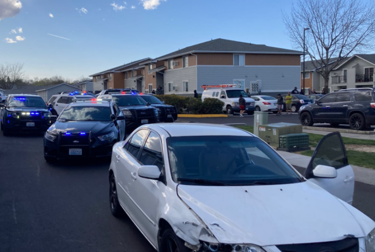Police arrest two after chase in Kennewick