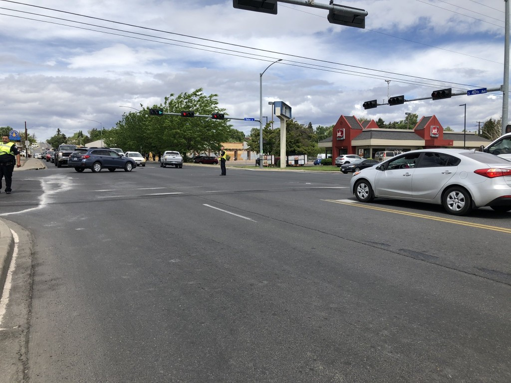 Yakima pedestrian in critical condition after being struck by car