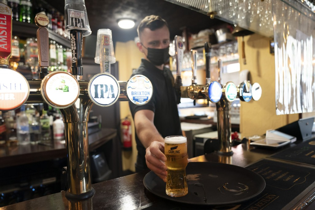 Joy For Uk Pubs And Hugs Tempered By Rise In Virus Variant