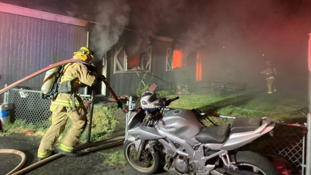 Kennewick Mobile Home Park Fire 16x9