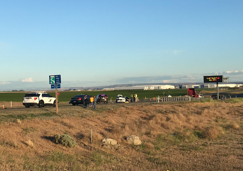 Driver and Passenger die in crash on US 395 in Pasco