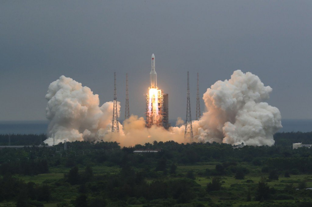 China Discounts Threat Of Rocket Expected To Fall To Earth This Weekend