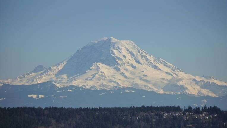 63 degrees atop Mt. Rainier!? Heat wave to bake the mountains, too