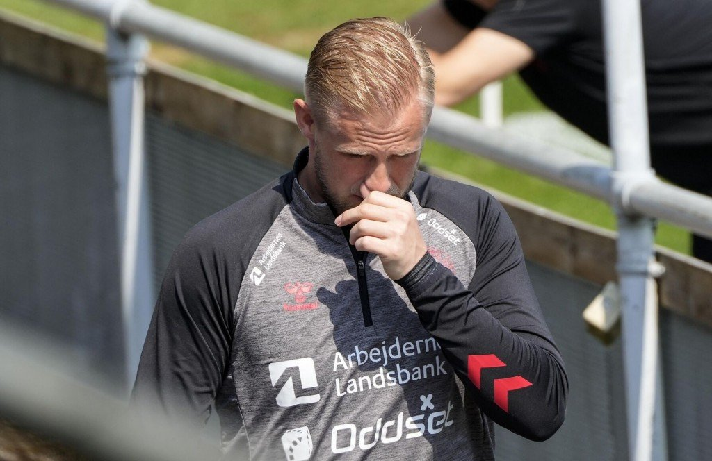 Schmeichel: Outpouring Of Support Shows 'the Reason I Play'