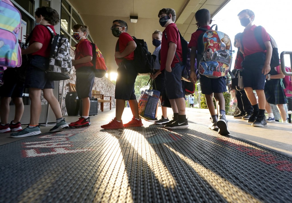 Virus Outbreaks Temporarily Close 4 Texas School Districts