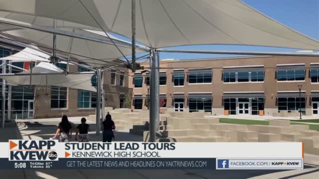 Student Lead Tours Of The New Kennewick High School