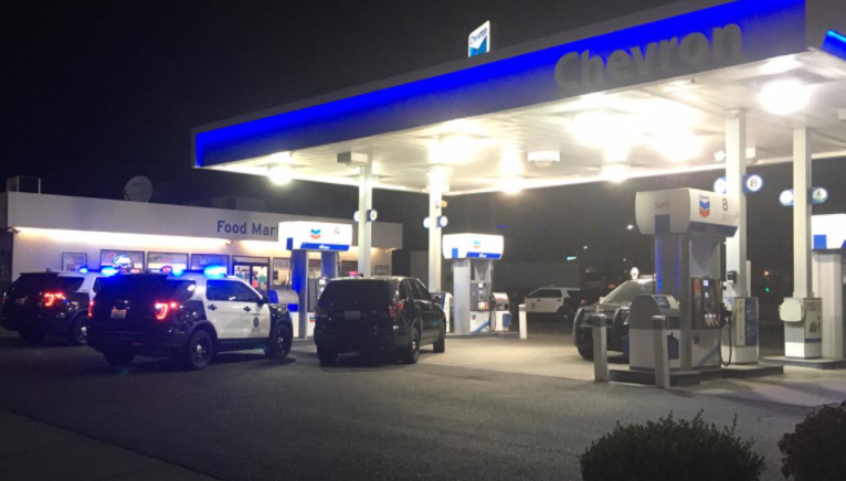 Police investigate robbery at Kennewick gas station
