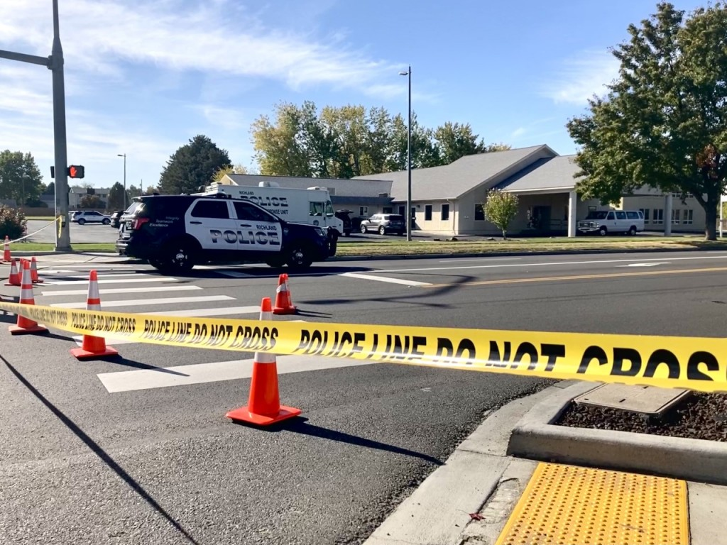 Scene of officer-Involved shooting in Kennewick.